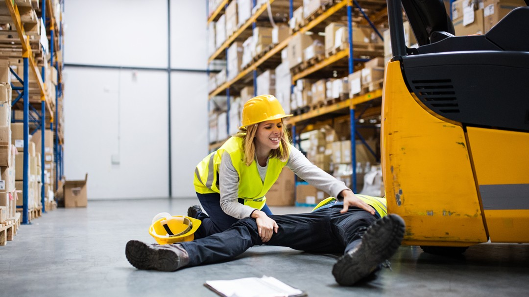 Slip and Fall accident at a warehouse injured person